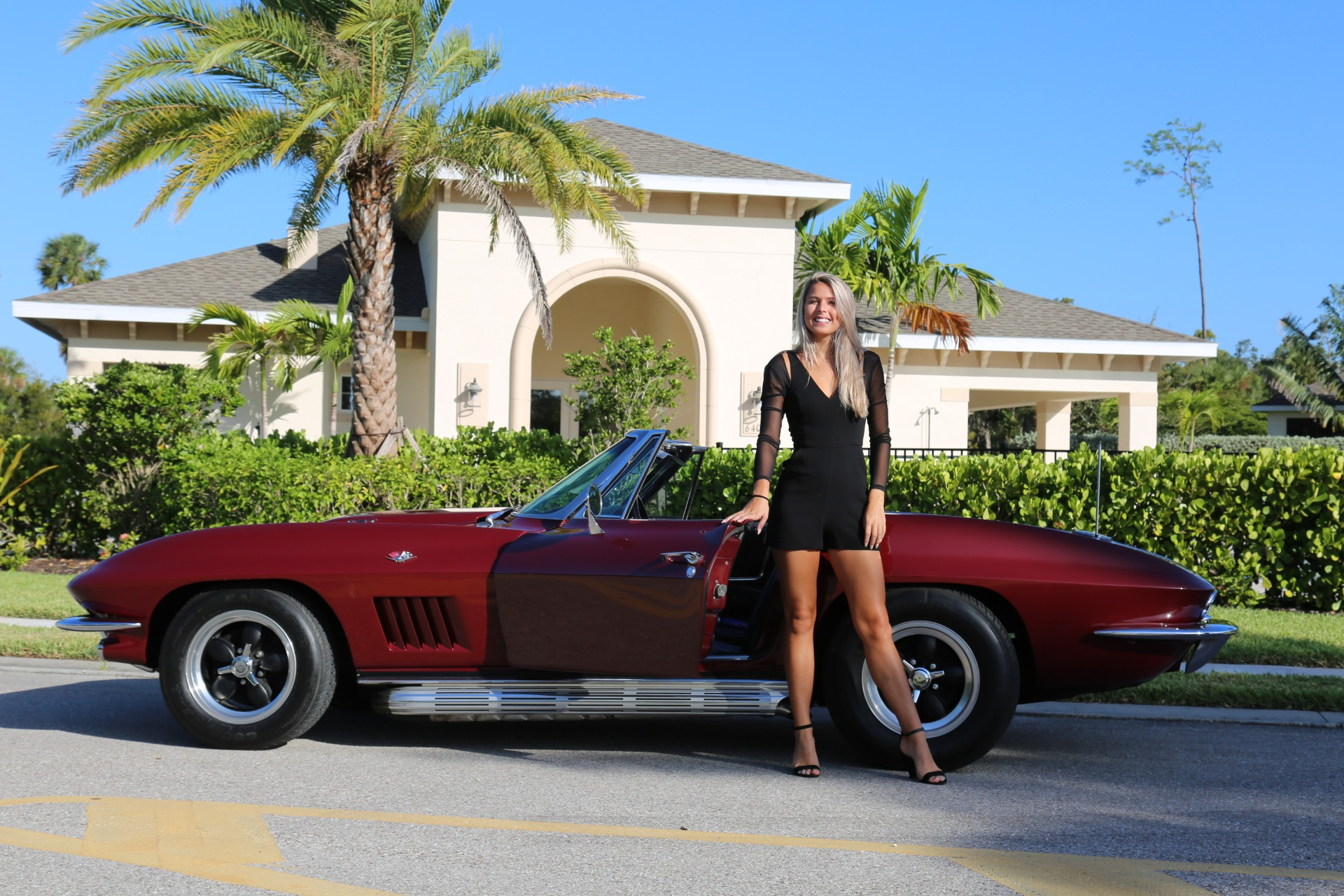 Used 1964 Chevrolet Corvette Stingray for sale $42,000 at Muscle Cars for Sale Inc. in Fort Myers FL 33912 3